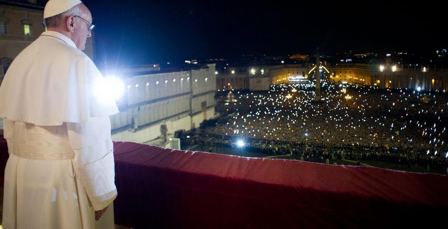 als erster jesuit und als erster lateinamerikaner tritt papst franziskus die nachfolge von benedikt xvi an geboren wurde er am 17 - Papst Franziskus Lebenslauf